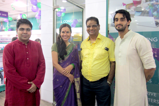 KL Lalani with Mir